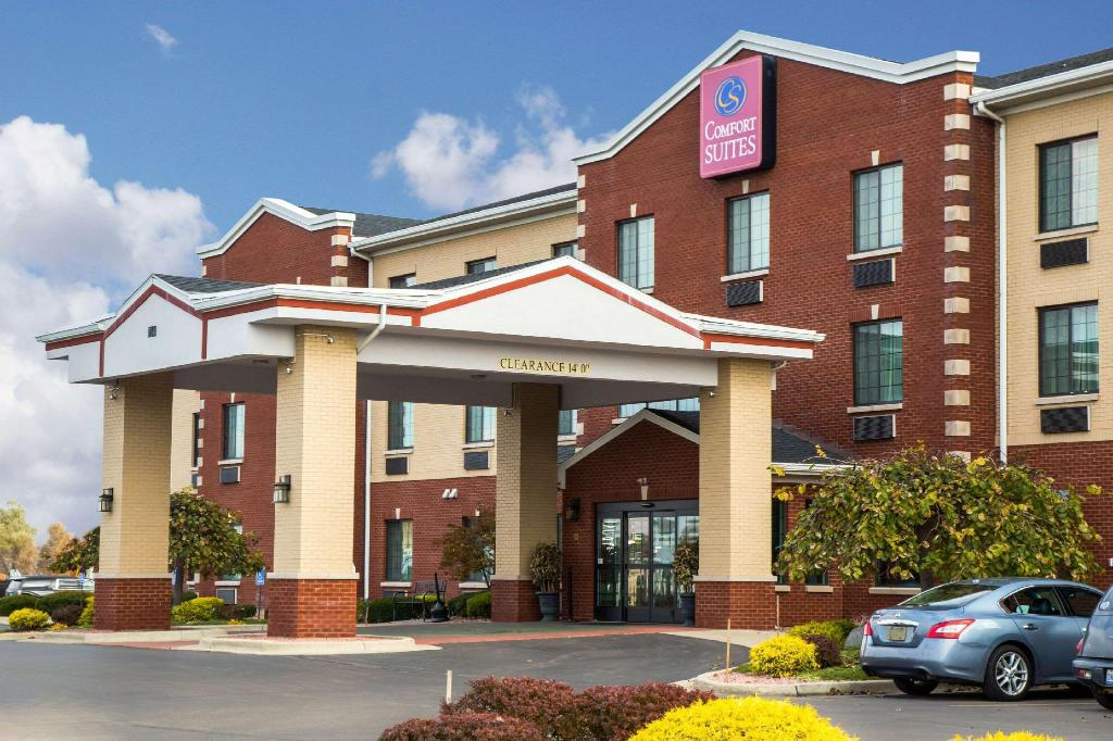 Grand Rapids Water Park Hotel | Holiday Inn Express & Suites Grand ...
