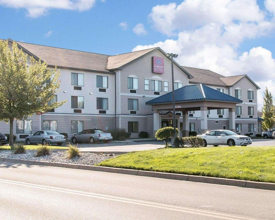 More about Comfort Suites Grandville - Grand Rapids SW