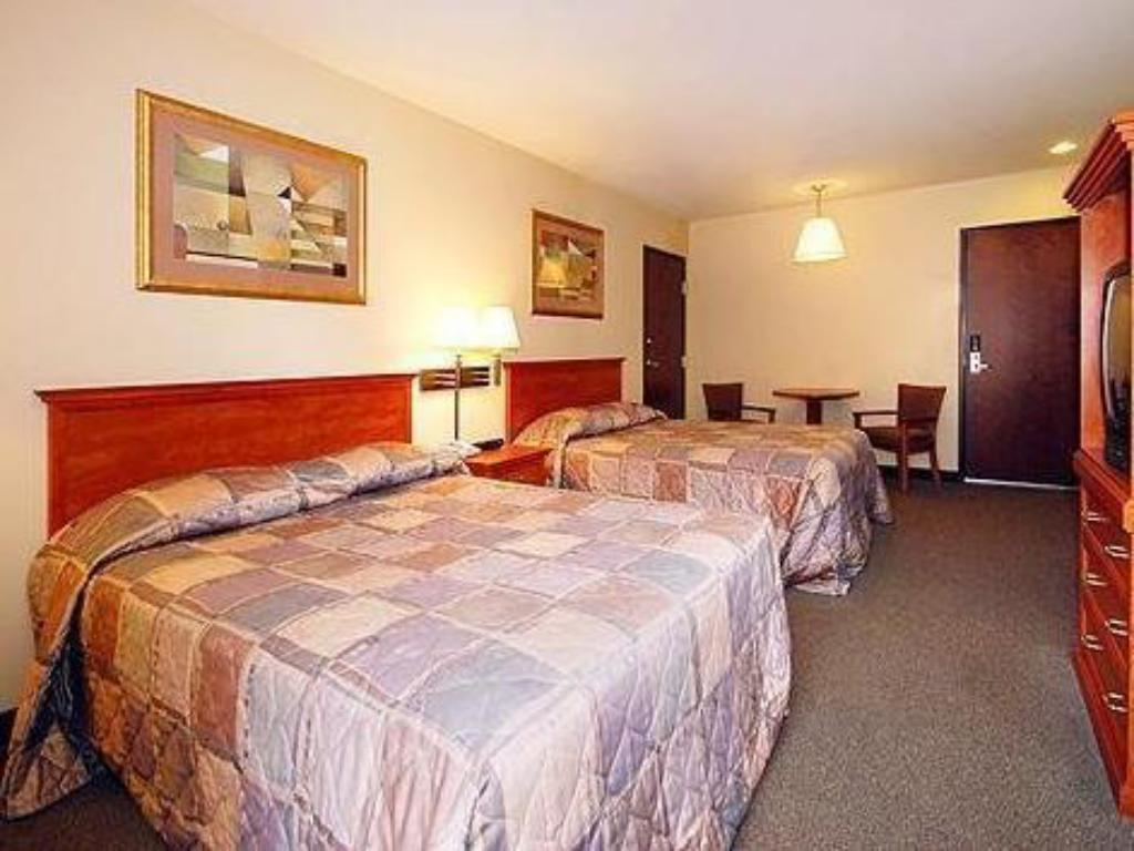 Queen Room with Two Queen Beds Springdale at Zion Park, Ascend Hotel Collection