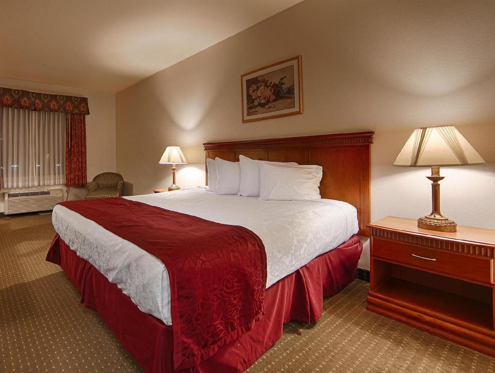 1 King Bed  Best Western Plus Lake Elsinore Inn and Suites
