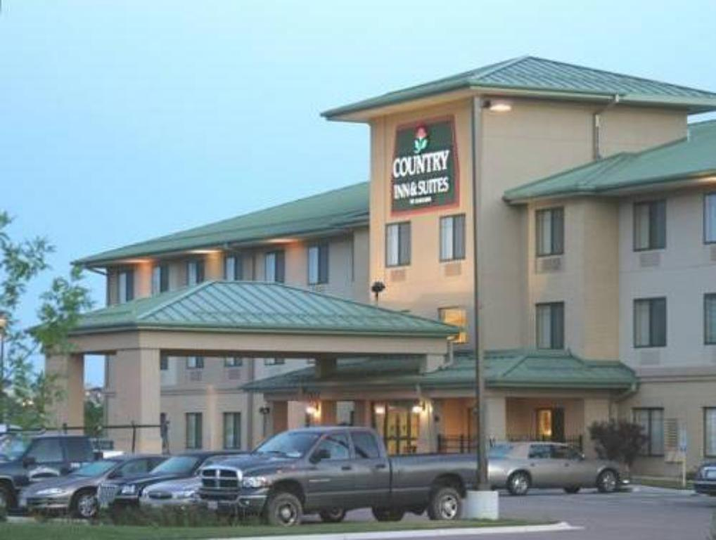 See all 12 photos Country Inn & Suites by Radisson, Madison West, WI