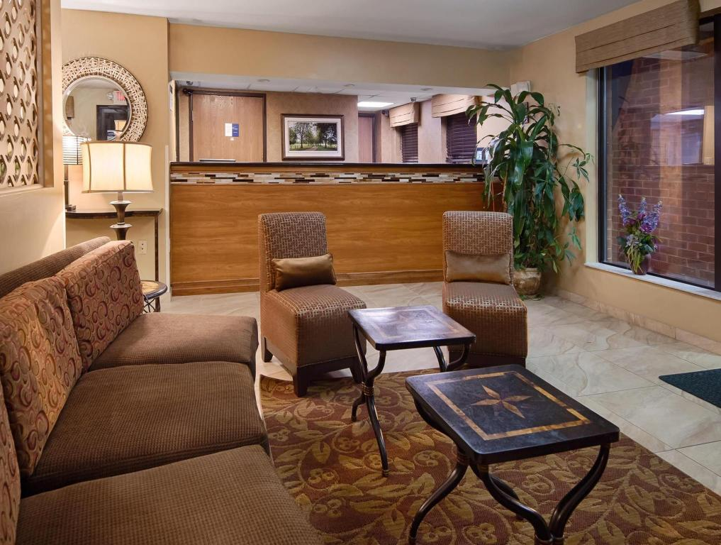 Интериор на хотела Best Western Princeton Manor Inn and Suites