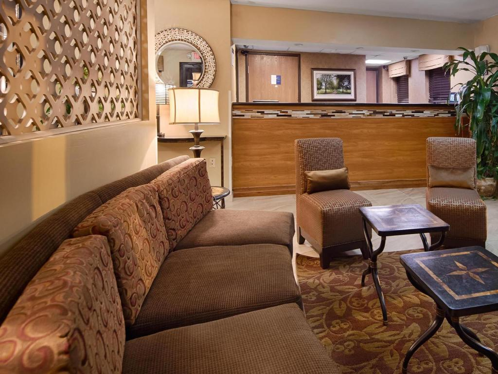 Лоби Best Western Princeton Manor Inn and Suites