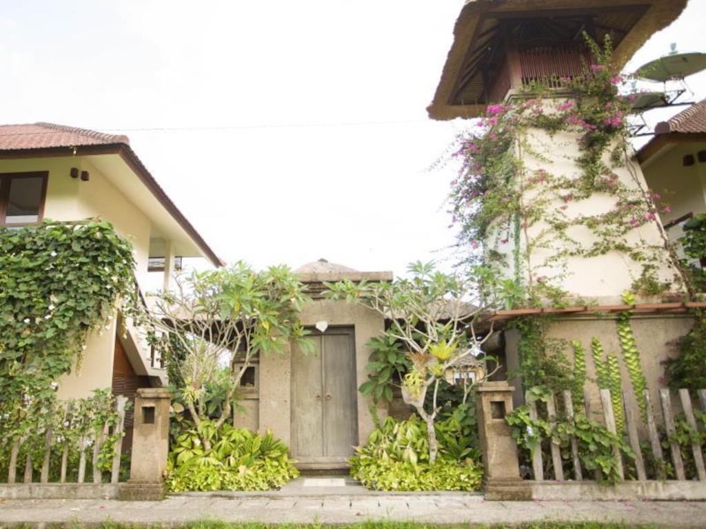 Rumah Taman Ubud Guesthouse Bed And Breakfast Bali Deals