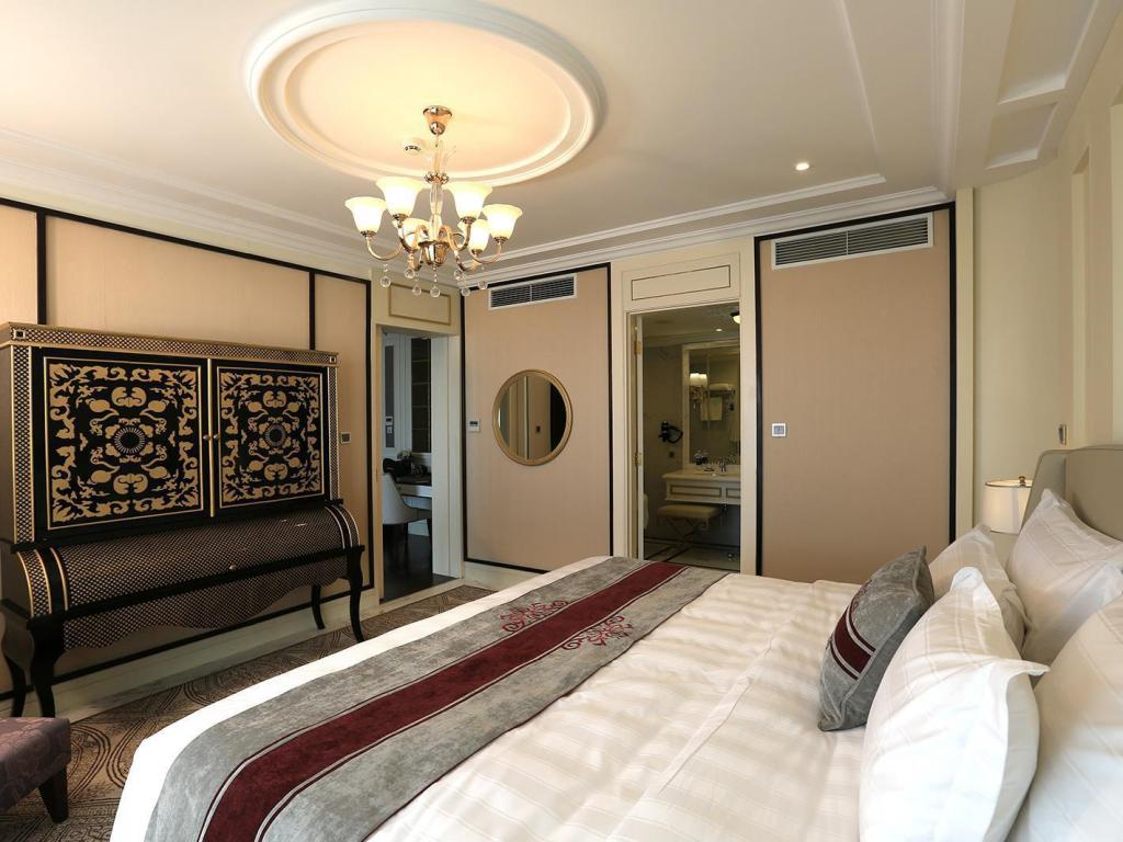 Executive Suite Sea View - Bed