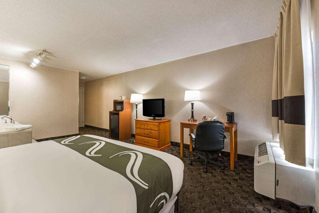 1 King Bed, Suite, Non-Smoking - Guestroom