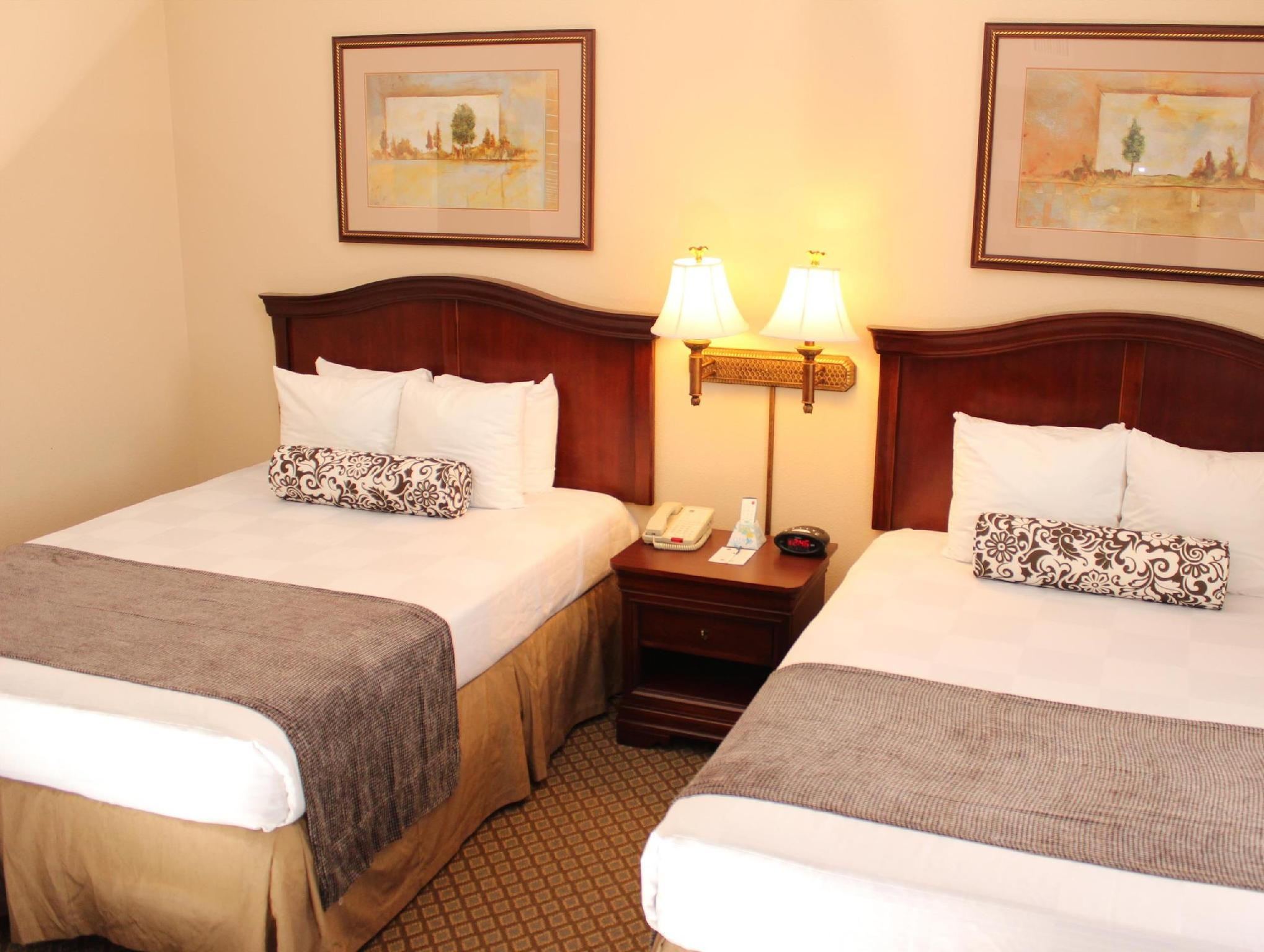 2 Queen Beds Accessible Suite