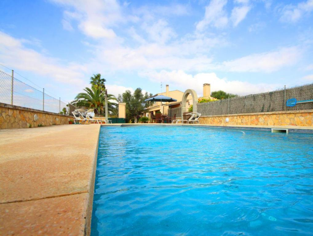 Swimming pool Can Manenta Villa