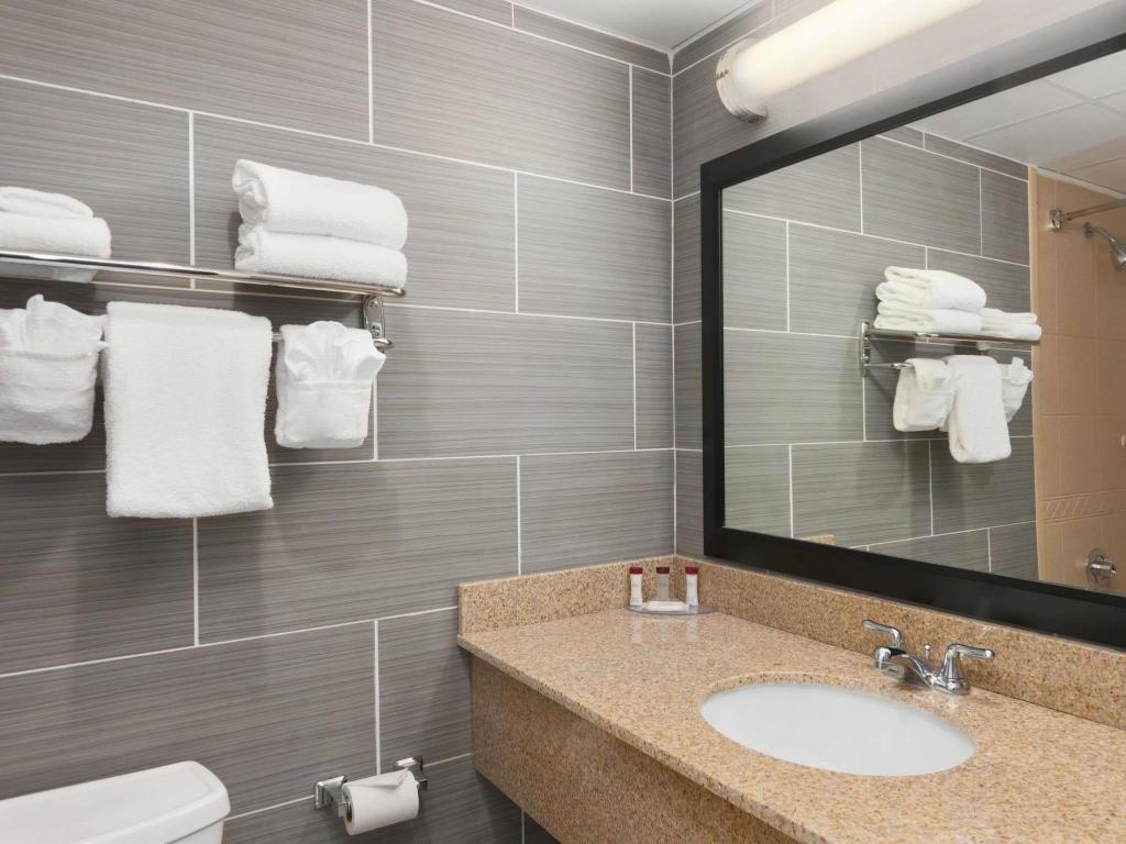 Bathroom Ramada by Wyndham Rochelle Park Near Paramus