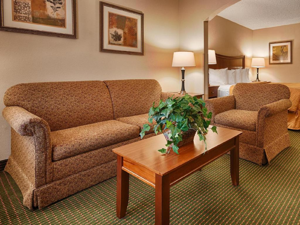 Hotellet indefra Best Western Inn and Suites Monroe