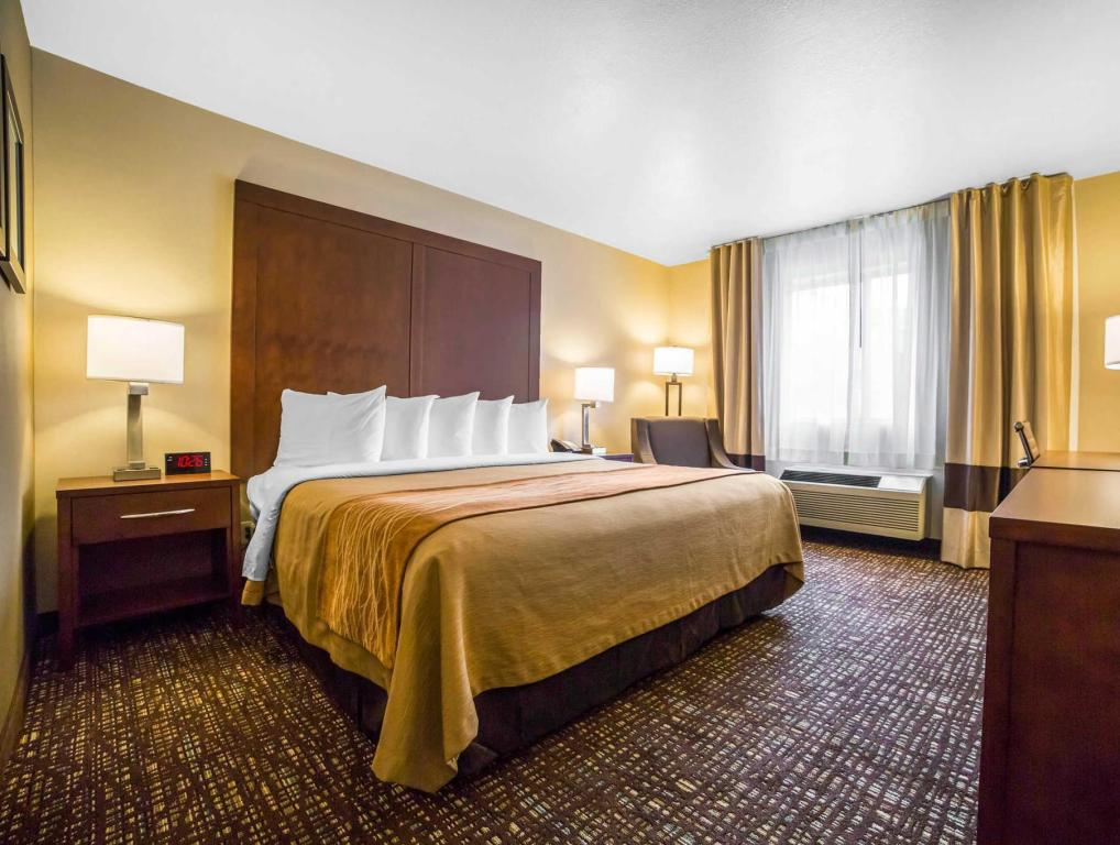 King Room Comfort Inn & Suites Orem - Provo