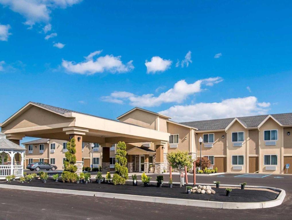 More About Comfort Inn Saugerties