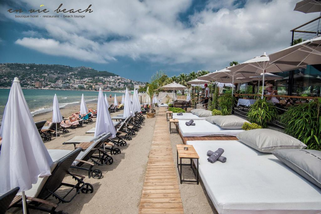 Playa privada En Vie Beach Boutique Hotel (En Vie Beach)
