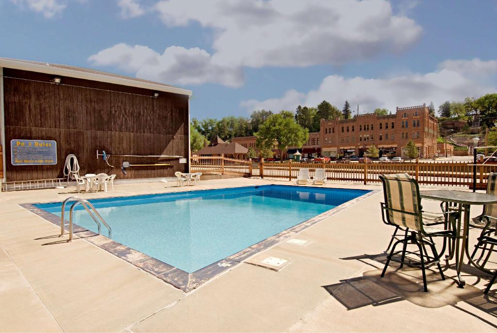 Americas Best Value Inn by the River - Hot Springs, SD