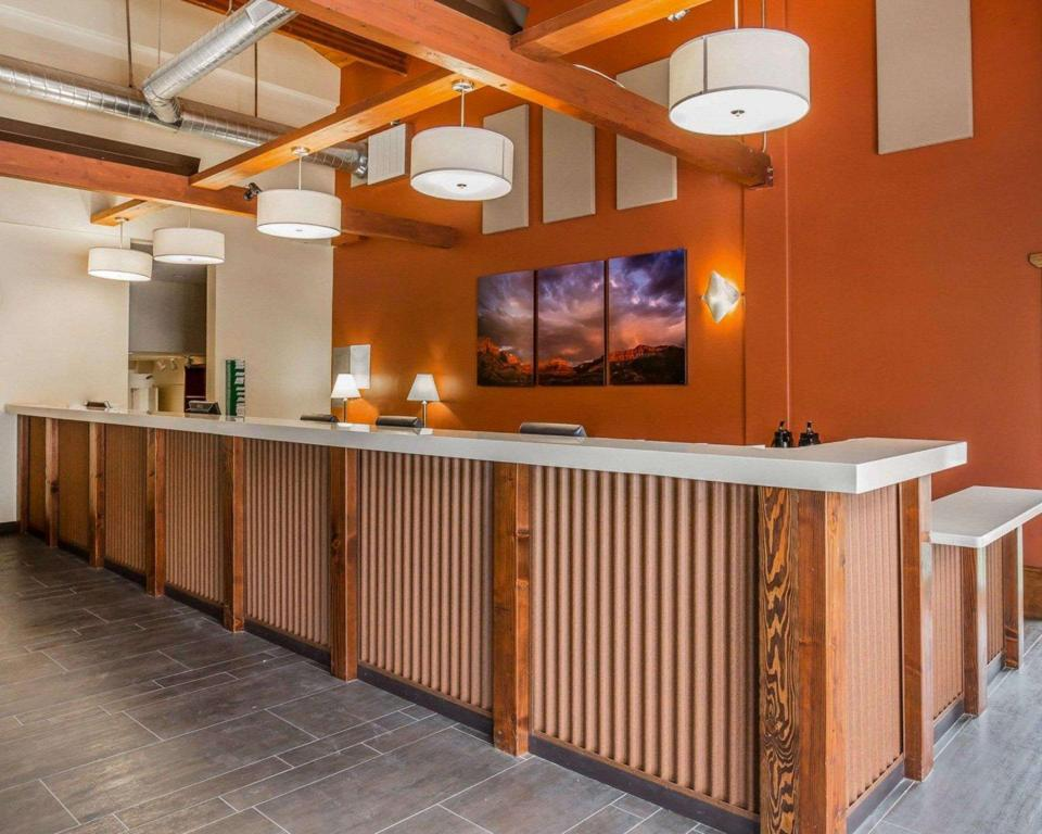 Lobby Springdale at Zion Park, Ascend Hotel Collection