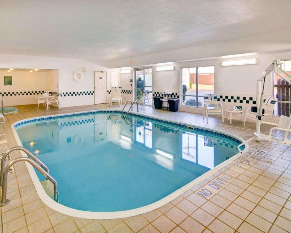 Piscina Comfort Suites Longview North