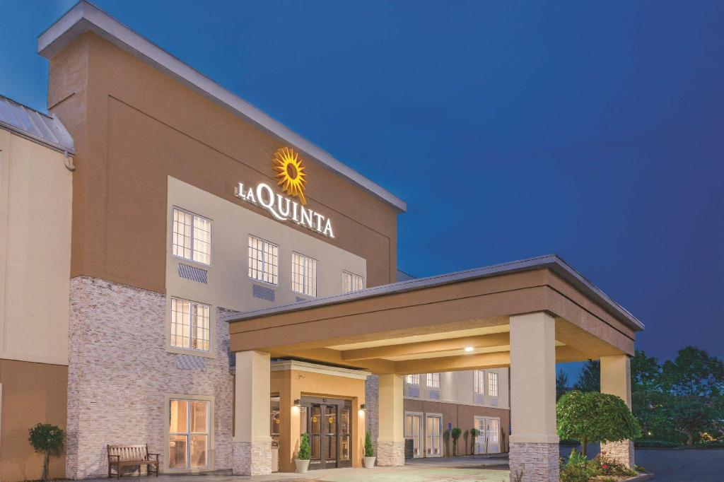 Country Inn and Suites Knoxville I 75 North (La Quinta Inn & Suites Knoxville North I-75)