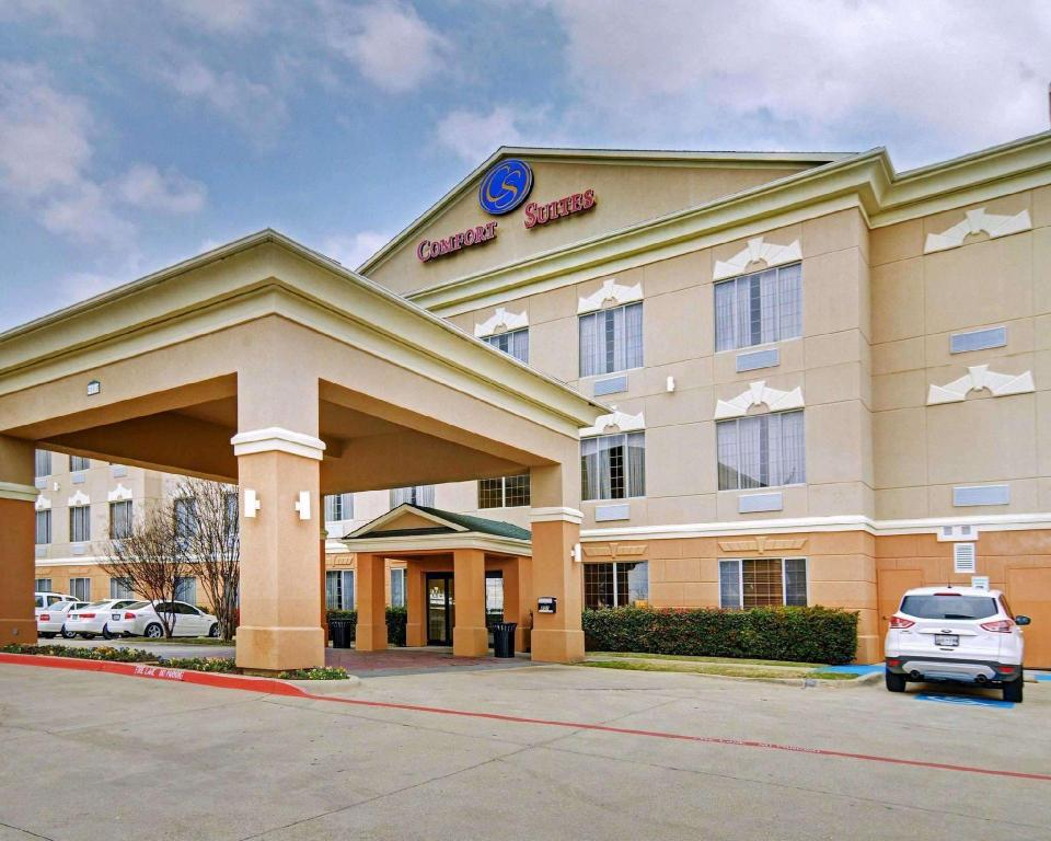 More about Comfort Suites Near Alliance