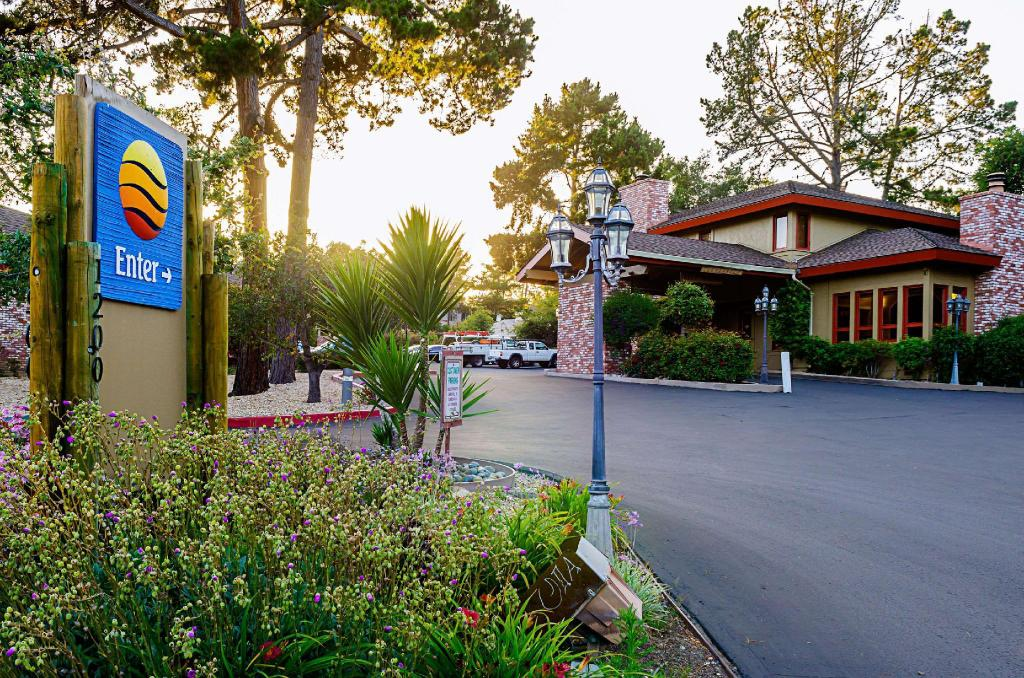 More about Comfort Inn Monterey Peninsula Airport Hotel