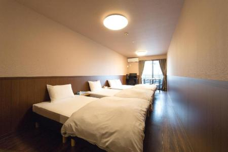 Deluxe (4 persons) - Bed Parkside Umekoji