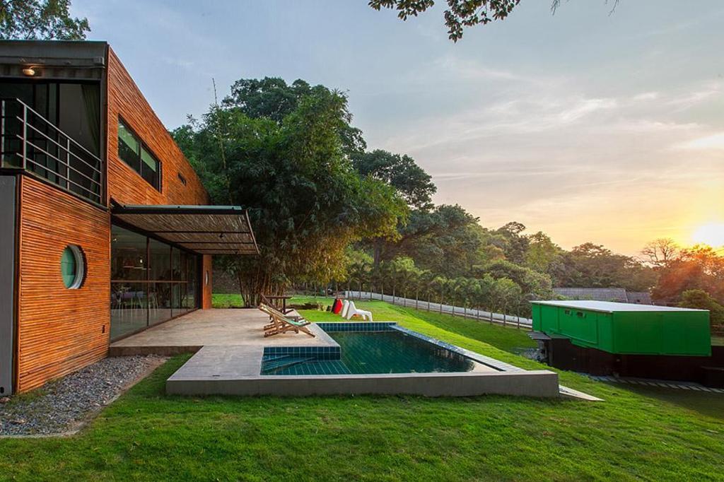 bamboo garden house - Garden House