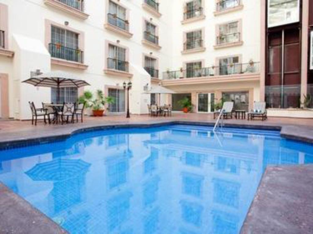 Holiday Inn Leon In Mexico Room Deals Photos Reviews