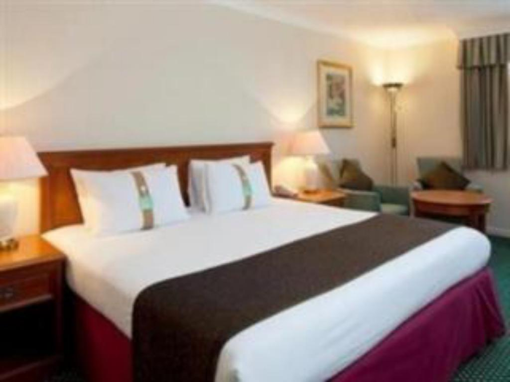 1 King Bed Executive Non-Smoking - 床舖 溫莎斯勞假日飯店 (Holiday Inn Slough Windsor)