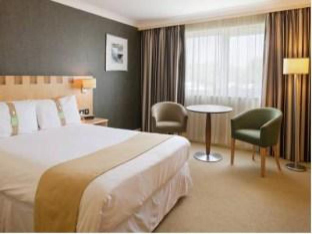 One Double Bed Accessible Room Non-Smoking - מיטה Holiday Inn A55 Chester West