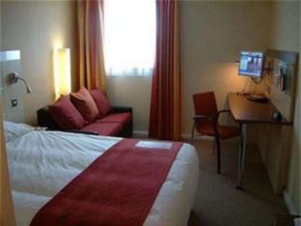 1 Double Bed With 1 Sofa Bed Non-Smoking - 客房 斯溫頓市中心智選假日飯店 (Holiday Inn Express Swindon City Centre)