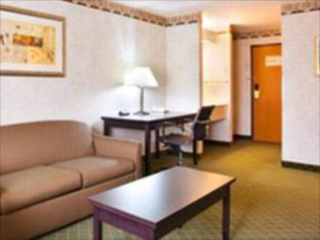 Hotellet indefra Holiday Inn Express Hotel & Suites Chicago-Libertyville
