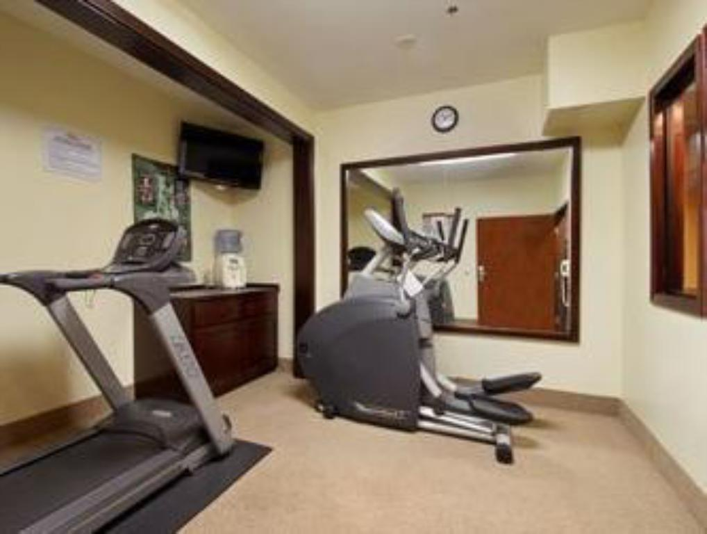 Fitness center Inwood Suites, Carthage,TX