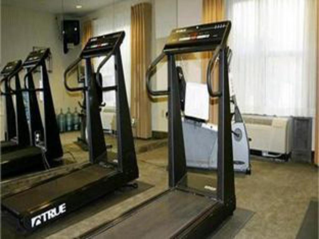 Fitness center Holiday Inn Express Hotel & Suites Clearwater North/Dunedin