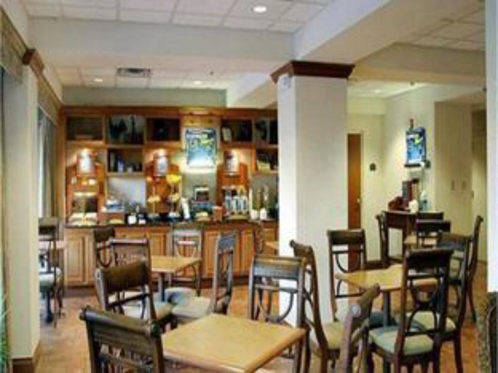 Coffee shop Holiday Inn Express Hotel & Suites Clearwater North/Dunedin