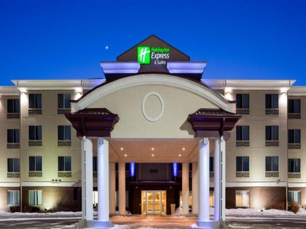 holiday inn express hotel suites grand forks grand. Black Bedroom Furniture Sets. Home Design Ideas
