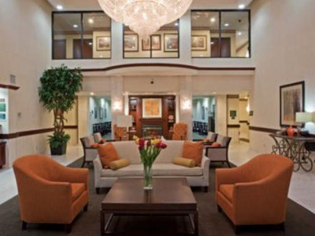 Lobby Holiday Inn Express Hotel & Suites Houston Intercontinental East