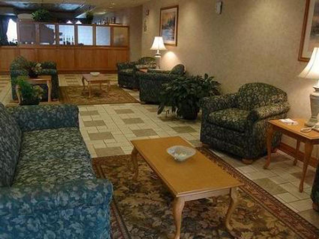 Lobby Holiday Inn Express Morgantown