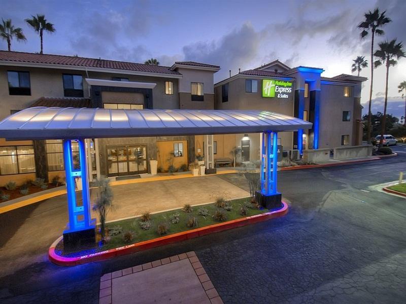 holiday inn express hotel suites carlsbad in carlsbad. Black Bedroom Furniture Sets. Home Design Ideas
