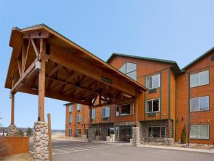 Holiday Inn Express Munising-Lakeview Hotel