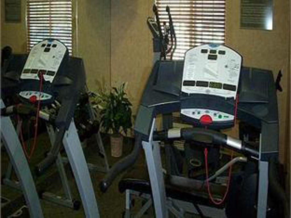 Fitness center Holiday Inn Express Cheney