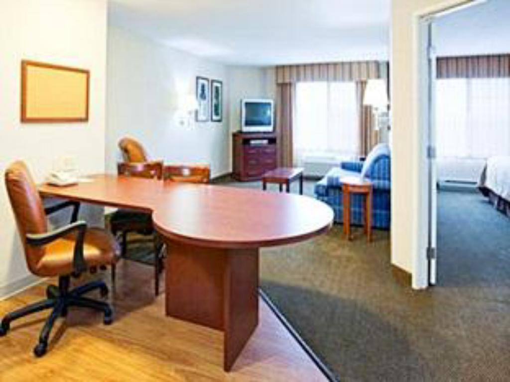 Interior view Candlewood Suites Fitchburg