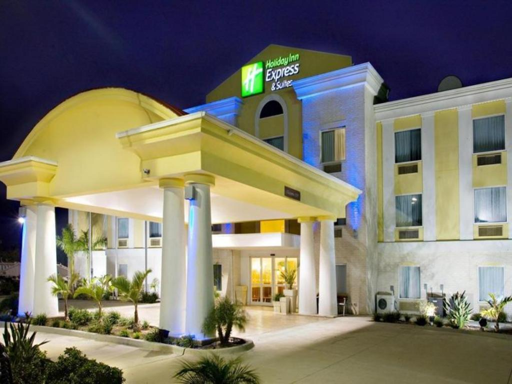 More About Holiday Inn Express Hotel And Suites Falfurrias