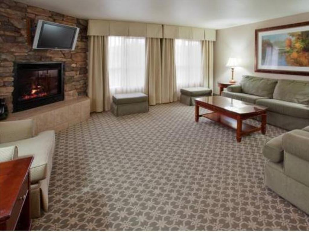 Interior view Holiday Inn Express Hotel & Suites Gold Miners Inn-Grass Valley