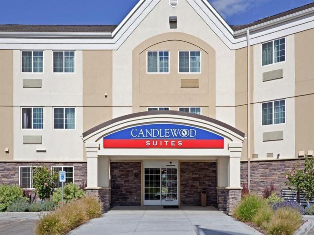 Candlewood Suites Boise - Towne Square in Boise (ID) - Room ...