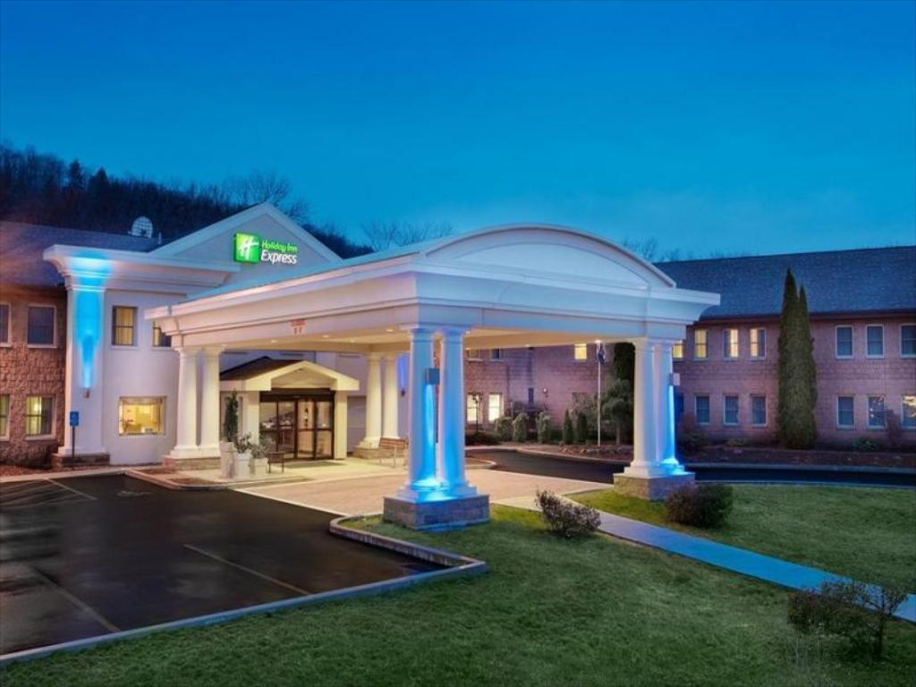 More about Holiday Inn Express Owego Hotel