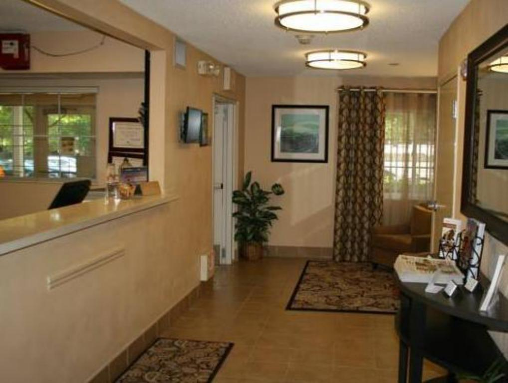 Interior view Candlewood Suites Arlington