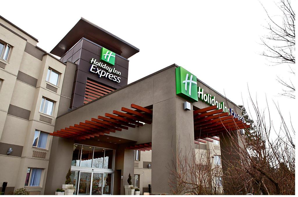 More about Holiday Inn Express-Langley