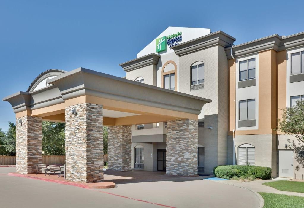 Exterior view Holiday Inn Express Hotel & Suites Duncanville