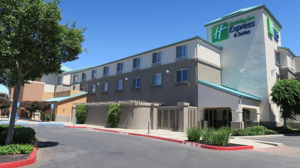 Holiday Inn Express Hotel Suites Elk Grove Ctrl Sacramento S