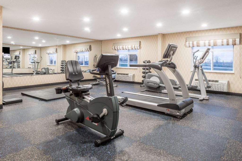 Fitness center Baymont by Wyndham Fulton