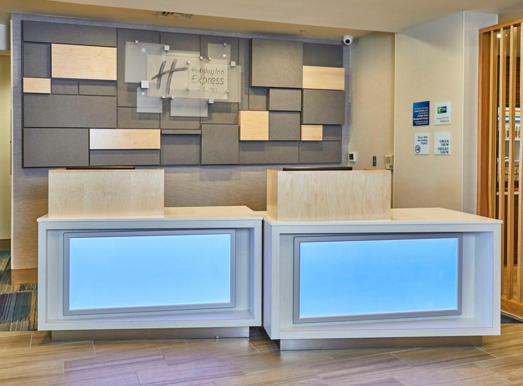 Lobby Holiday Inn Express Hotel & Suites Medford-Central Point